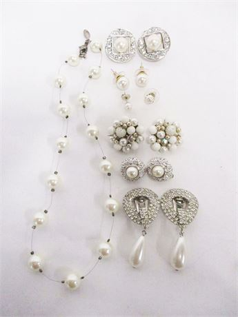 LOT OF VINTAGE COSTUME PEARL JEWELRY FEATURING CAROLEE AND MONET