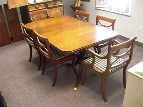 BEAUTIFUL J. B. VAN SCIVER CO. DINING TABLE WITH 6 CHAIRS