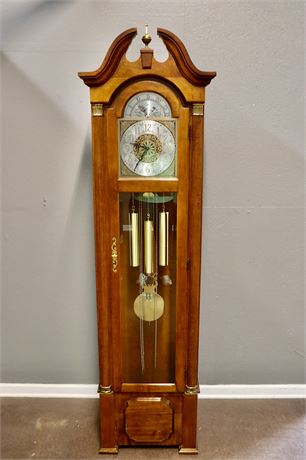 "Ridgeway Classic pendulum driven Grandfather Clock with ""GN"" movements"