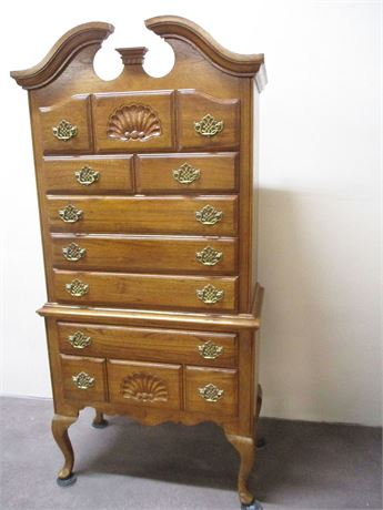 BEAUTIFUL 7-DRAWER HIGHBOY DRESSER
