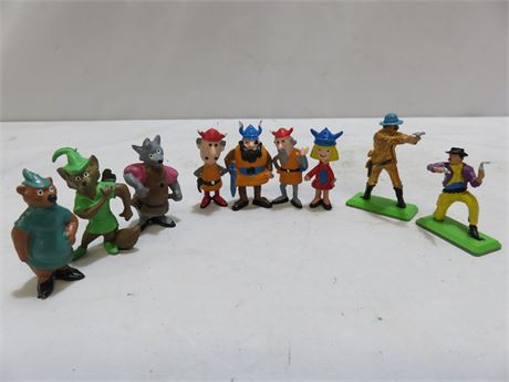 Vintage PVC Character Figurines - Vicky The Viking & Deetail Soldiers