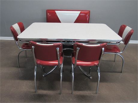 Vintage/Retro Look Restaurant/Diner/Dinette Set - Table, Booth and 4 Chairs
