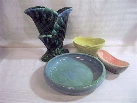 4 PIECE VINTAGE POTTERY LOT - WELLER AND MODERAMICS