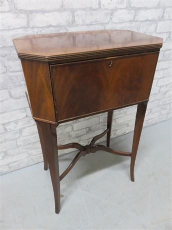 Antique BERKEY & GAY End Table