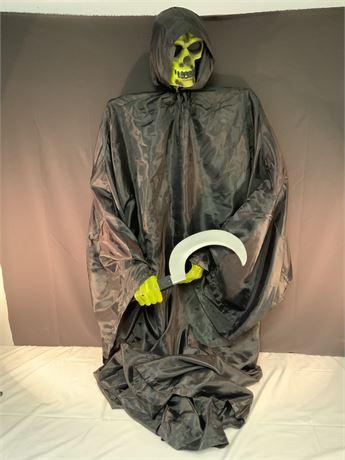 Spooky Posable Halloween Display