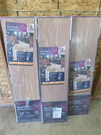 DuPont Real Touch Elite Premium Laminate Flooring / 93 Sq. Ft.