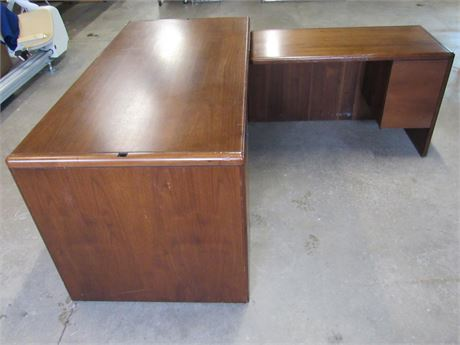 L-Shaped Office Desk with Right Return