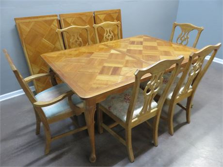 HARDEN Cherry Chippendale Dining Table Set