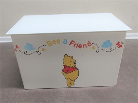 STENCILED WINNIE THE POOH TOY BOX