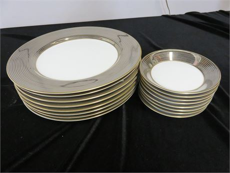 FITZ & FLOYD Les Bandes Platinees Plate Set