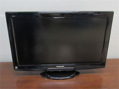 "Panasonic Viera Flat Panel 32"" LCD TV with Remote"