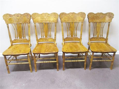 LOT OF 4 VINTAGE PRESSBACK OAK CHAIRS BY SHIN-LEE