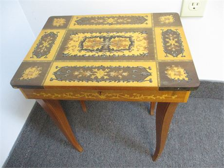 REUGE-STYLE INLAID WOOD MUSIC/JEWELRY BOX TABLE
