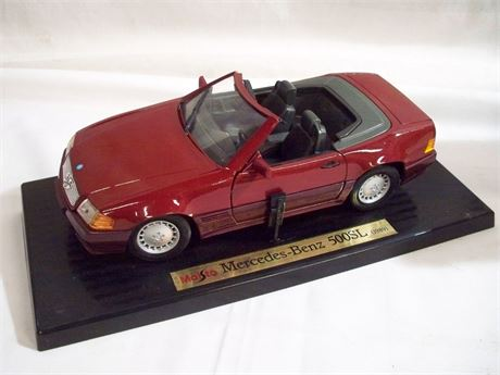 1:18 SCALE MAISTO SPECIAL EDITION DIECAST - 1989 MERCEDES BENZ 500SL W/BOX