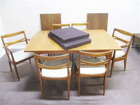 MID-CENTURY MODERN DREXEL DECLARATION DINING TABLE, CHAIRS, PADS, AND LEAVES