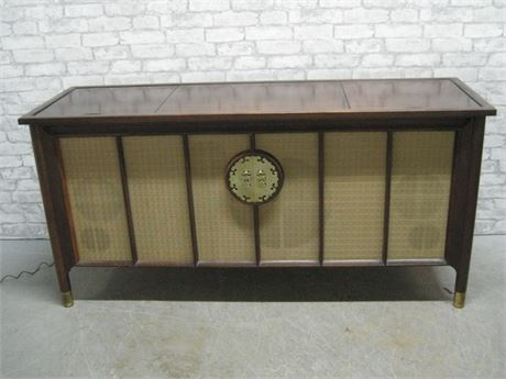 MOTOROLA MID CENTURY STEREO/PHONO SYSTEM WITH HERITAGE ASIAN INSPIRED CREDENZA