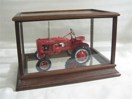 """FRANKLIN MINT MCCORMICK-DEERING FARMALL """"A"""" TRACTOR WITH DISPLAY CASE"""