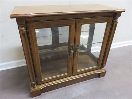 BROYHILL Display Cabinet