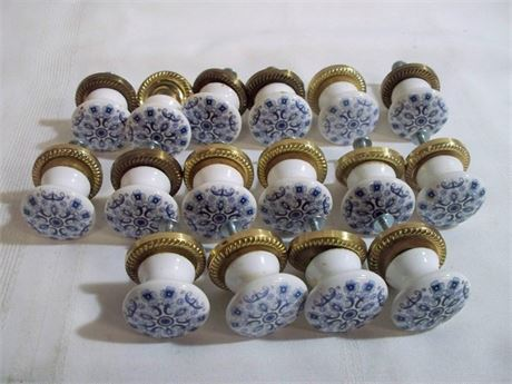 16 BLUE AND WHITE PORCELAIN PULLS
