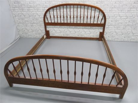 King Size Spindle Bed