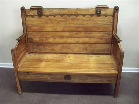 LARGE VINTAGE/ANTIQUE WOOD BENCH