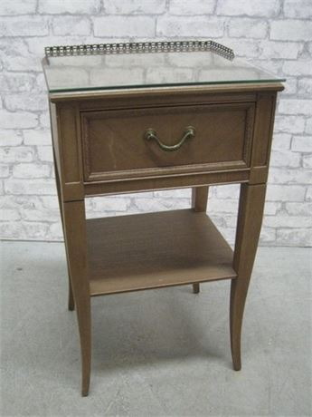 NORTHERN FURNITURE CO. NIGHTSTAND/SIDE TABLE