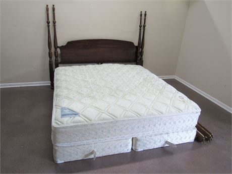 KING SIZE 4 POSTER BED WITH MATTRESS AND BOX SPRINGS