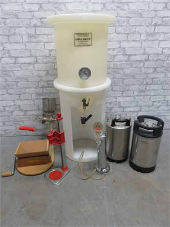 7-Piece Home Beer Brewing System Lot