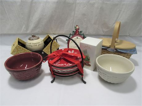 11 Piece Home Decorative/Household Lot - some Holiday