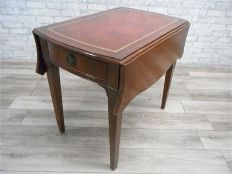 VINTAGE MAHAGONY TOOLED LEATHER TOP DROP-LEAF END TABLE