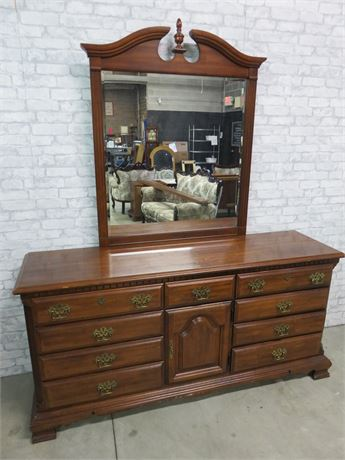 SUMTER CABINET CO. Colonial Style Triple Dresser & Mirror