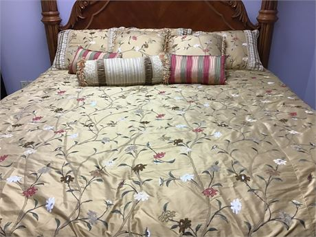 Satin King Bed Comforter Ensemble with Pillows NEW PRICE!