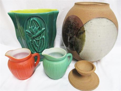 LOT OF POTTERY FEATURING RED WING POTTERY