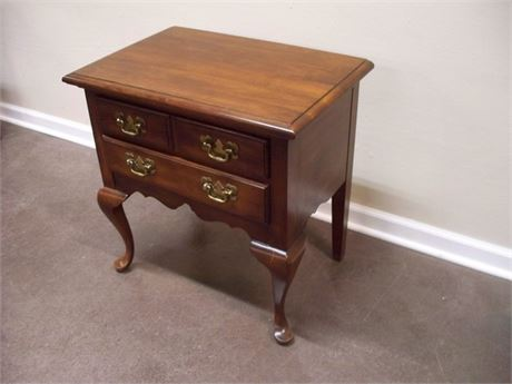 PENNSYLVANIA HOUSE NIGHTSTAND