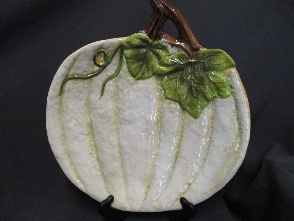Transitional Design Online Auctions - LOT OF FALL DECOR ...