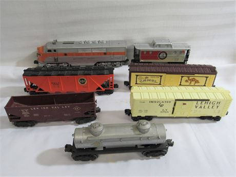 7 Lionel O-Gauge Railroad Cars
