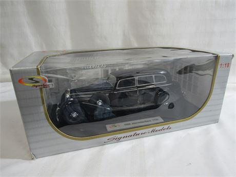 SIGNATURE MODELS 1:18 SCALE DIECAST - 1938 MERCEDES BENZ 770K LIMO WITH BOX