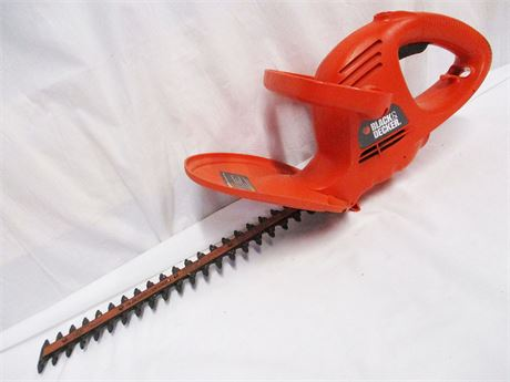 BLACK & DECKER ELECTRIC HEDGE TRIMMER TRI600 TYPE 1