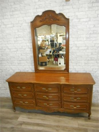 THOMASVILLE DRESSER WITH WALL HUNG MIRROR