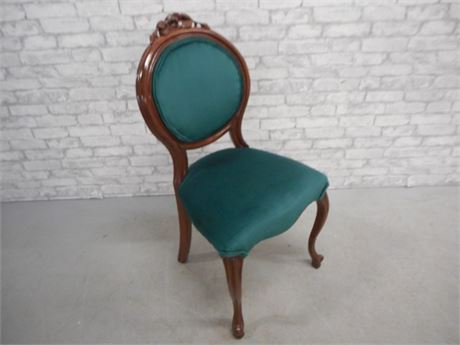 VICTORIAN STYLE SIDE CHAIR