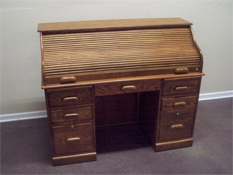 GREAT LOOKING OAK ROLLTOP DESK