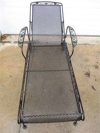 WROUGHT IRON OUTDOOR CHAISE LONGUE