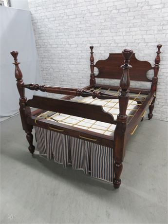 Antique 19th Century Empire 4 Poster Rope Bed & Hired Man's Bed