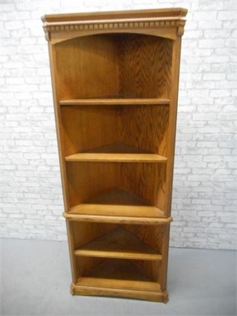 OAK CORNER BOOKCASE