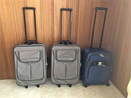 American Tourister & Forecast Luggage