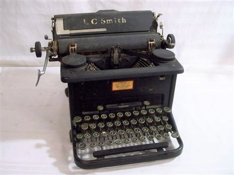 VINTAGE L. C. SMITH TYPEWRITER