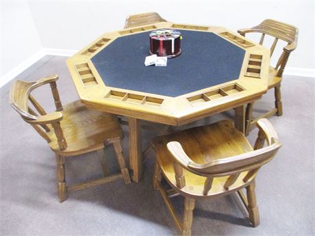 GAME TABLE AND POKER ACCESSORIES