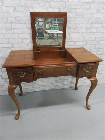 American Drew Queen Anne Vanity Desk