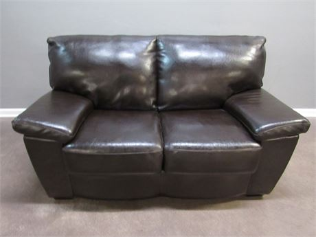 Klaussner Furniture Industries Brown Leather 2 Cushion Sofa