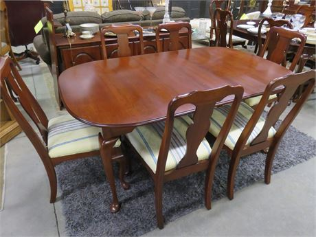 Queen Anne Cherry Dining Set